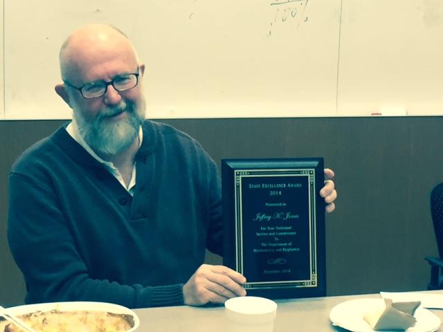 Jeffrey Jones receives 2014  Staff of the Year Award