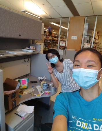 WinSPIRE two graduate Odessa Goudy and students in the lab desk