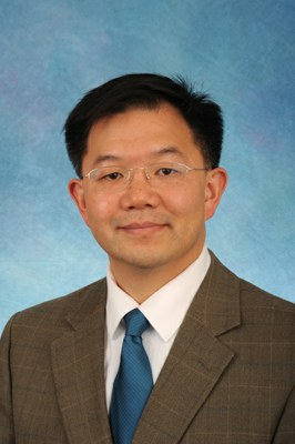 Dr. Yueh Lee, headshot