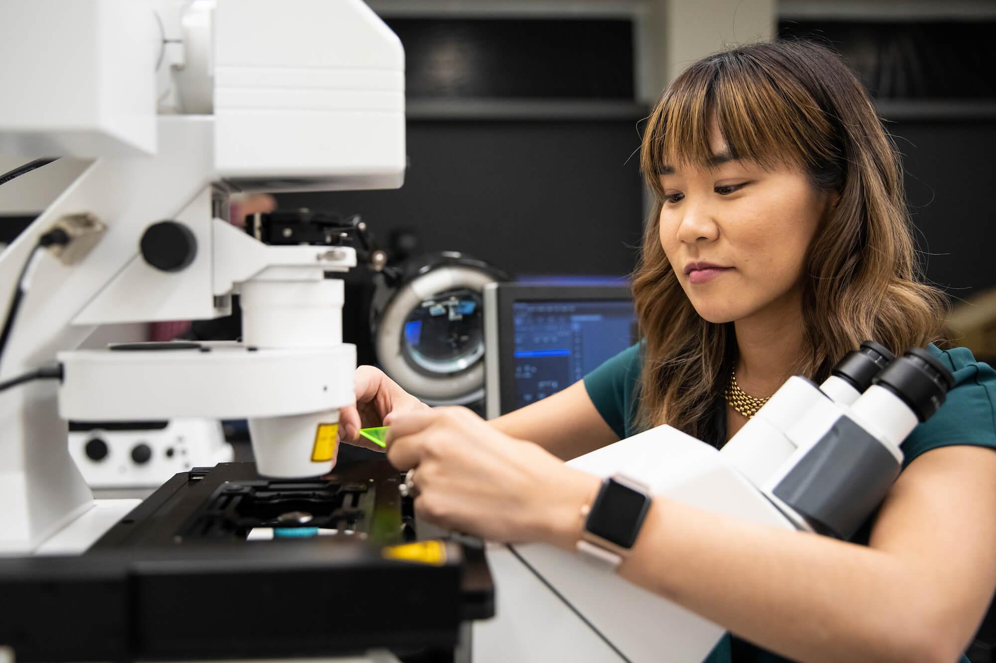 microscope-imaging-scientist-michelle-itano-opt