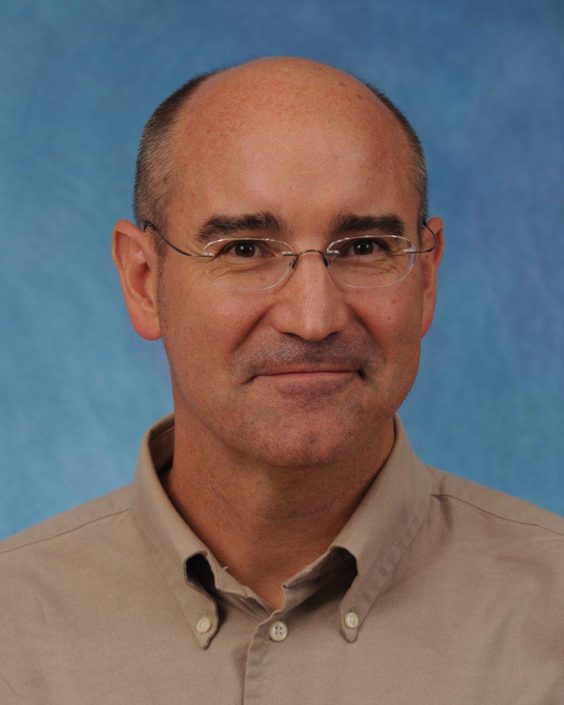 Robert Strauss, MD